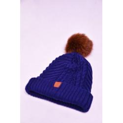 modrá pletená čiapka s pravým kožušinovým brmbolcom z plárnej farbenej líšky