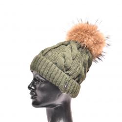 Dámska pletená  čiapka s kožušinovým brmbolcom z mývala pravá kožušina