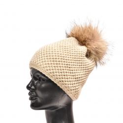 Pletená čiapka s kožušinovým  brmbolcom z mývala