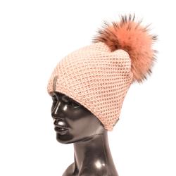 Pletená dámska čiapka s brmbolcom z pravej kožušiny , mýval prírodný